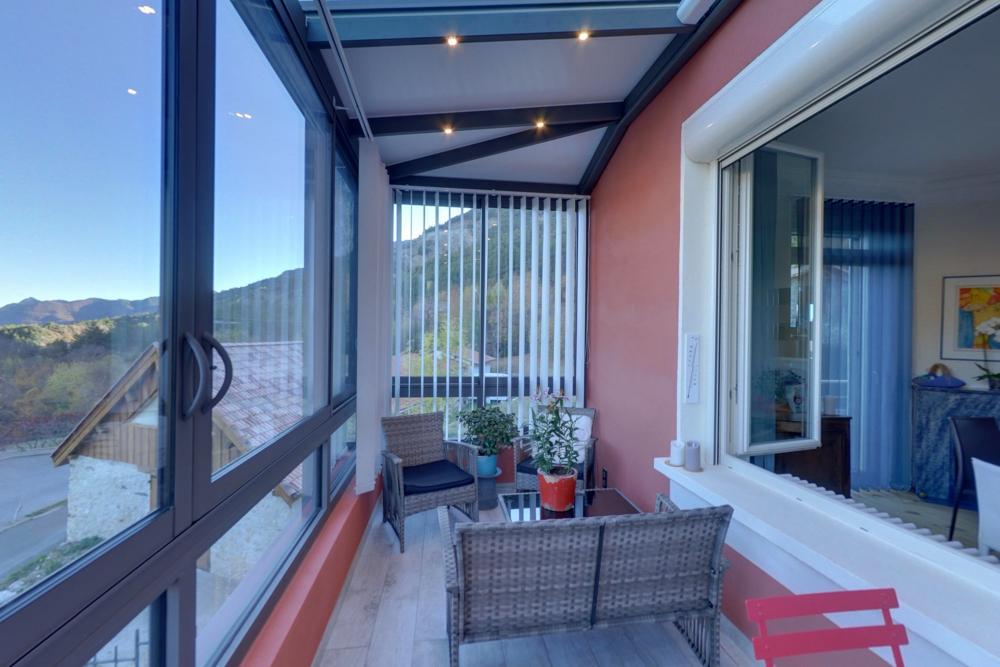 installation d 39 une loggia dans une villa par v randa des alpes gap. Black Bedroom Furniture Sets. Home Design Ideas